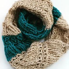 Find my free #crochet pattern for this cowl (broomstick lace and tall stitches) on the @redheartyarns blog