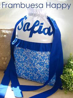 Mochila o Bolsa Infantil Lencera en plastificado con Personalzada con Nombre Azul Modelo Sabela.