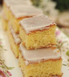 Cuadrados de limón : Mujeres de mi edad Gourmet Recipes, Mexican Food Recipes, Sweet Recipes, Cake Recipes, Healthy Desserts, Delicious Desserts, Yummy Food, Mexican Bread, Pan Dulce