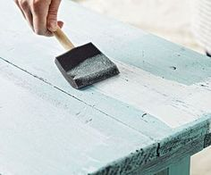 Distressed wood furniture is perfect for rooms decorated with flea market finds and antique treasures. Learn how to distress furniture in almost no time using this easy guide. Best Wood For Furniture, Distressing Painted Wood, Distressed Furniture Painting, Paint Furniture, Furniture Makeover, Redoing Furniture, Furniture Ideas, Pintura Patina, Layer Paint