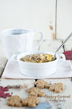 Slow your mornings with this Eggnog Custard Baked Oatmeal Brûlée recipe. Sweet, delicious and perfect for an impressive holiday breakfast!
