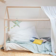 How not love this adorable house bed?