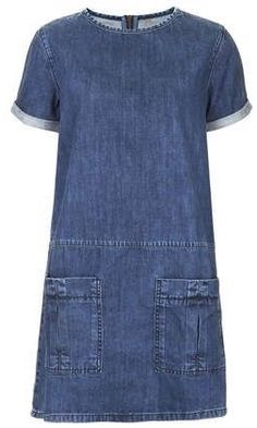 MOTO Utility Denim T-Shirt Dress - What a great dress, suitable for many ages! (idea: use new denim to create dress.upcycle denim jeans for pockets and trim around sleeve and neckline) Alexa Chung, Jeans Dress, Shirt Dress, Denim Dresses, Denim T Shirt, Tee Shirt, Estilo Jeans, Mode Jeans, Denim Outfits
