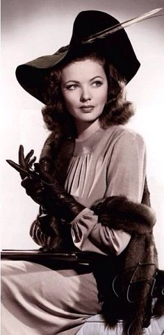 Gene Tierney- gorgeous 1940s fashion <3 She was the star of the movie, 'Laura' ....a haunting movie and beautiful music.