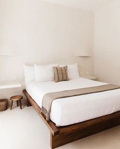 hotel fachada Photo 7 of 14 in Fall For the Tropical Bohemian Charms of This Elegant Hotel in Tulum - Dwell Cheap Bedroom Decor, Trendy Bedroom, Home Decor Bedroom, Cheap Home Decor, Living Room Decor, Modern Bedrooms, Bedroom Wall, Bedroom Ideas, Tulum