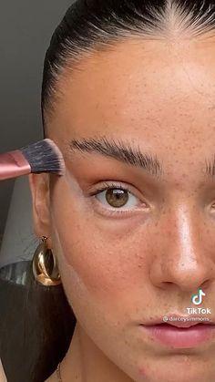 Soft Natural Makeup, Natural Everyday Makeup, Natural Makeup Tutorials, Natural Makeup Look Tutorial, Glossy Makeup, Skin Makeup, Makeup Without Eye Makeup, Monolid Makeup, Cute Makeup