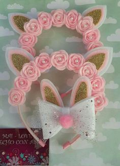 Diadema de flores Felt Headband, Unicorn Headband, Baby Headbands, Foam Crafts, Diy And Crafts, Crafts For Kids, Making Hair Bows, Boutique Bows, Diy Hair Accessories