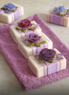 Raindrops And Roses: Photo - Diy Crafts - hadido Raindrops And Roses, Soap Packaging, Pretty Packaging, Packaging Ideas, Soap Recipes, Home Made Soap, Handmade Soaps, Soap Making, Diy Gifts