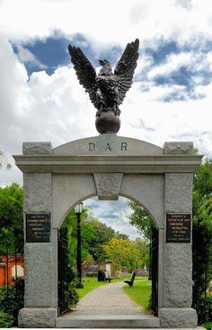 Colonial Park cemetery in Savannah - photograph by Juan Estevez