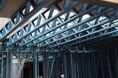 #prefab #fabrication #fabrications #construction #constructions #prefabrication #prefabrications #dynamicsteelframe #lightsteelframe #steelframe #steel #frame #lighterstraighterbetter #architecture #melbourne #australia #lgs #light #gauge #lightgaugesteel #truecore #bluescope #australian #australianmade #melbournemade #yarraville Flat Roof Construction, Steel Framing, Small Workspace, Steel Frame House, Roof Trusses, House Siding, Gypsum, Steel Structure, Melbourne Australia