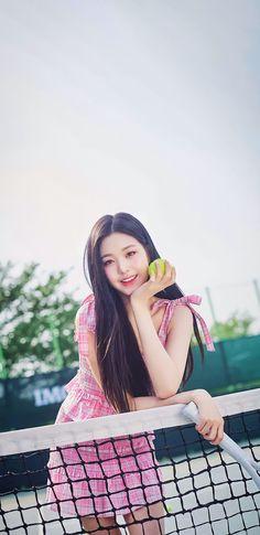 Kpop Girl Groups, Kpop Girls, Jang Wooyoung, Yoon Sun Young, Lisa Blackpink Wallpaper, Scene Photo, Celebs, Celebrities, Sexy Asian Girls