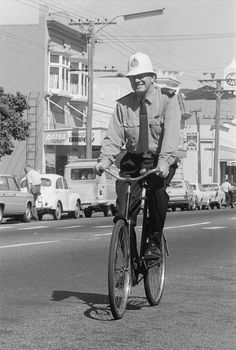 Constable Cockburn on his bicycle in Petone, New Zealand New Zealand Houses, New Zealand Landscape, Old Bikes, British Isles, Police Officer, Channel, Bicycle, News, Sweet
