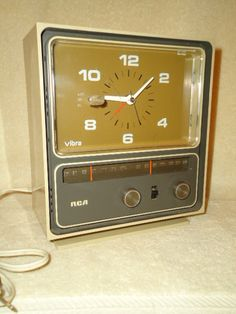 Vintage Retro RCA Dessert Beige Clock Am FM Alarm Radio RVs 8528 Clock Works | eBay