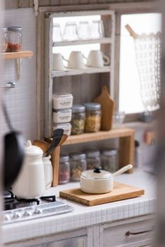 Miniature kitchen details in 1/12 scale by nunu's house