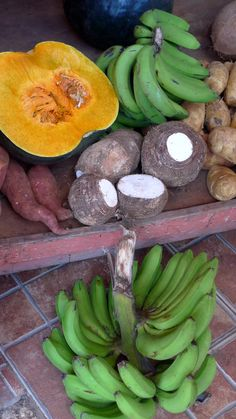 Fresh ground provisions on a typical market stall Jamaican Cuisine, Market Stalls, Banana, Foods, Fresh, Food Food, Food Items, Market Stands, Bananas