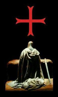 God help us succeed with this plot against the devil. Crusader Knight, Knight Armor, Knights Hospitaller, Knights Templar, Rose Croix, Knight Tattoo, Christian Warrior, Armadura Medieval, Medieval Knight