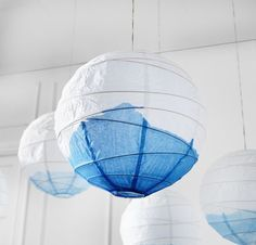 Super Deko Idee: IKEA Lampen REGOLIT einfach kurz in Wasserfarbe dippen *** Decor Idea - Hang REGOLIT rice paper shades from the ceiling of your room or tent, , give them a fashionable punch of color by dip dying them in a bath of water based paint!