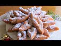 ReteteAngela: Minciunele, cirighele, pancove, scoruse... Romanian Desserts, Romanian Food, Romanian Recipes, Sweets Cake, Cookie Recipes, Foodies, Sweet Tooth, Sweet Treats, Food And Drink