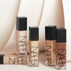 NARS released this awesome new foundation with tons of different shades for almost all skin types! This is definitely full coverage and looks so good. We love this packaging what do you guys think! Such a great start to a makeup look! Makeup Trial, Natural Foundation, Liquid Foundation, Bright Red Lipstick, Makeup Portfolio, Types Of Makeup, Eye Makeup Tips, Makeup Tools, Magnetic Eyelashes