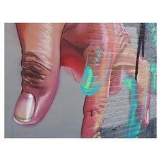 Dancing fingers ✌🏼️ #newyork #streetart #love #graffiti #urbanart #nyc #bigapple #blogger #thatslifenyc #broadway #7thstreet