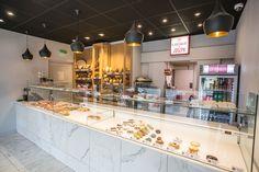 Boulangerie de JOSEPH à Rennes - Architecture par l'agence LABEL ETUDES Office Ideas, Joseph, Kitchen Island, Architecture, Home Decor, Rennes, Bakery Business, Island Kitchen, Arquitetura