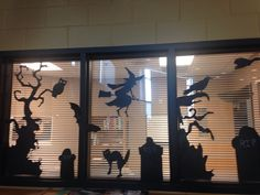 Halloween display office window @ Vela Middle School Display Boards For School, School Library Displays, Middle School Libraries, Elementary Library, Halloween Window Display, Halloween Window Decorations, Halloween Displays, Halloween Ideas, Images