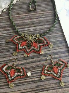 Best 12 Flax & Cotton ~ Pendant and earrings ~ Crochet Ornaments – SkillOfKing. Diy Yarn Decor, Crochet Decoration, Beaded Jewelry Patterns, Macrame Jewelry, Crochet Ornaments, Needle Lace, Crochet Accessories, Bead Crafts, Crochet Projects