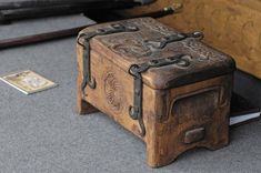 XVIII Festival Wolin 2012 Pt gallery photo 18 by ~Wikingowie on deviantART Wooden Projects, Wood Crafts, Learn Woodworking, Woodworking Projects, Egyptian Furniture, Trunks And Chests, Wood Chest, Wood Carving Art, Pretty Box