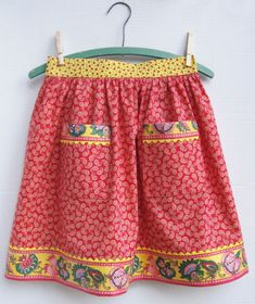 reminds me of my youth - my mom was always wearing an apron (well, probably not ALWAYS.)