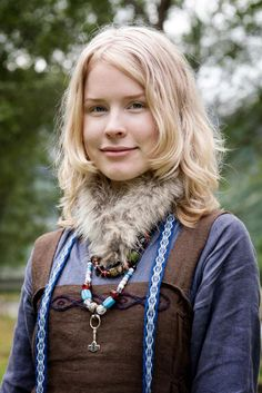 Viking ID by ~detvarjohanna  I have wanted to make a Viking period dress.  And it's so easy, what's stopping me.