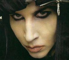 Que bonitos ojos *-*