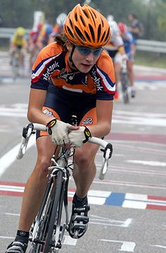 Marianne Vos lors du Tour d'Italie en 2004 - Check out Bicycles of Italy story by Patty Mooney at http://sandiegovideoproduction.com/bicycles-of-italy/