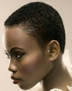 2012 Fall and Winter 2013 Short Hairstyles / Haircut Trends For Black / African American Hair. Shorter looks are already a great style for the new fall and winter season. From show stopping TWA… Very Short Hair, Short Hair Cuts, Short Hair Styles, Natural Hair Styles, Natural Beauty, Latest Short Haircuts, Short Hairstyles For Women, Haircut Short, Pixie Haircut
