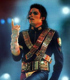 Michael Jackson - One of my favorite singers and performers of all time. I will never forget seeing his concert Michael Jackson Dangerous, Michael Jackson Bad Era, Paris Jackson, Mike Jackson, Liberian Girl, Mj Dangerous, King Of Music, The Jacksons, Brunei