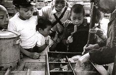 「おでん屋 江東 1955年」 写真:土門拳
