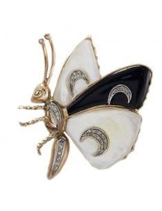 Delicious butterfly shaped brooch in gold. The butterfly wings are all embellished with mother of pearl and black agate, adorned with diamonds.mother of black agate weigh 513967 For any enquires, please contact the seller through the message center. Mother Of Pearl Jewelry, Mother Pearl, Antique Brooches, Gold Brooches, Gold Jewelry, Vintage Jewelry, Diamond Jewelry, Jewellery, Butterfly Shape