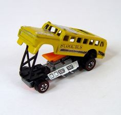 Hot Wheels redline ~ The Heavyweights S' COOL BUS ~ school bus Car Costume, Jungle Jim's, Vintage Hot Wheels, Matchbox Cars, Hot Wheels Cars, Toy Trucks, Slot Cars, Old Toys