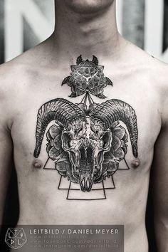 Daniel Meyer Tattoo related: www.dasleitbild.com