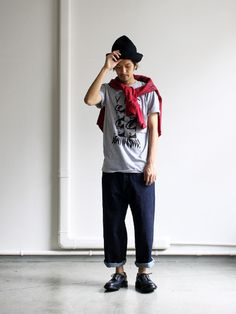 Japanese style, wide jeans probably Orslow, YMC Tee and a pair of Tricker's shoes. Great hat too!