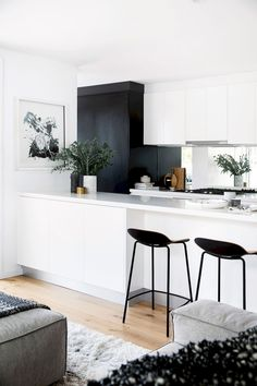 Nice 80 Gorgeous White Kitchen Cabinet Design Ideas https://wholiving.com/80-gorgeous-white-kitchen-cabinet-design-ideas