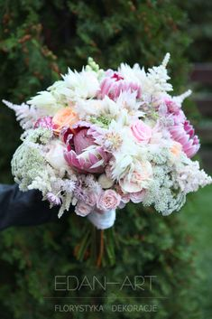 Dla Młodej Pary ⋆ Edan-Art Dekoracje Weselne Florystyka Bukiet Protea www.edan-art.pl Floral Wreath, Wreaths, Rose, Flowers, Plants, Wedding Bouquets, Boyfriends, Floral Crown, Pink