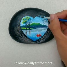 Great art by ID 1159505892 D uyin App art artvideos painting paintingonstone Stone Art Painting, Pebble Painting, Pebble Art, Rock Painting Patterns, Rock Painting Designs, Stone Crafts, Rock Crafts, Grand Art, Acrylic Art