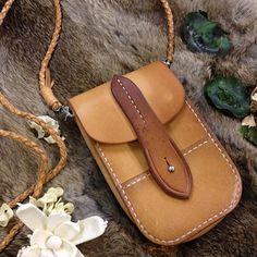 sam brown rivet----------nice leather bag