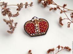 Купить или заказать Брошь 'Корона' в интернет-магазине на Ярмарке Мастеров. Брошь 'Корона' - прекрасное и необычное украшение.