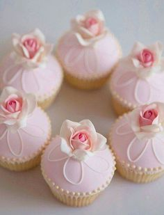 Roses shaby cupcakes