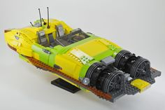 XJ-6 airspeeder par Mr Voltron - Come visit us at www.hothbricks.com, www.lordofthebric... & www.brickheroes.com for up to date news about LEGO stuff