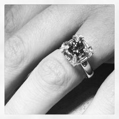 Victoria Buckley Jewellery: Diamond ring with leaves