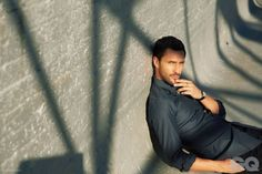 nm gq006 800x533 Noah Mills Stuns in Dolce & Gabbana for GQ Style Mexicos Cover Story