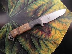 Awesome knife, just can't find who made it!