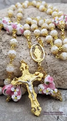 Miraculous Mary White Mother of Pearl Hearts Floral Lampwork Gold Love Happiness Harmony Prosperity Wedding Gemstone Rosary Gold Rosary, Rosary Prayer, Praying The Rosary, Rosary Catholic, Catholic Gifts, Rosary Beads, Divine Mercy Rosary, Homemade Jewelry, Religious Jewelry